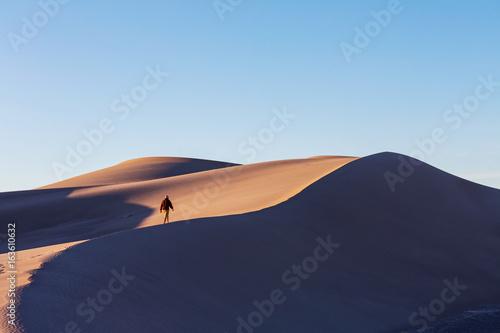 Foto  Hike in desert