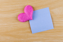 Blank Sticky Note Paper With P...