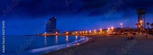 Foto auf Leinwand Barcelona Barcelonetta at night