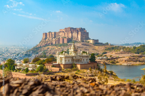 Photo sur Aluminium Piscine Mehrangarh Fort with Jaswant Thada.