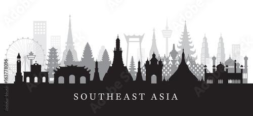 Fotomural  Southeast Asia Landmarks Skyline in Black and White Silhouette