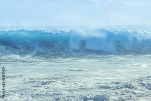 Foto auf Gartenposter Wasser The beautiful big wave in bali island.