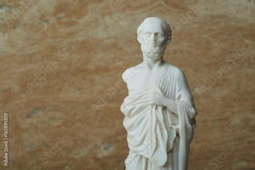 Foto auf Gartenposter Historische denkmal Statue of Hippocrates,ancient greek physician.