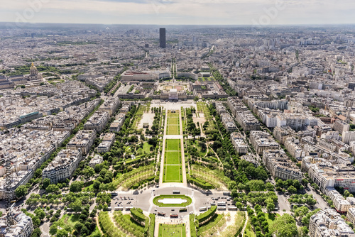 Photo  Champ de Mars - Paris, France