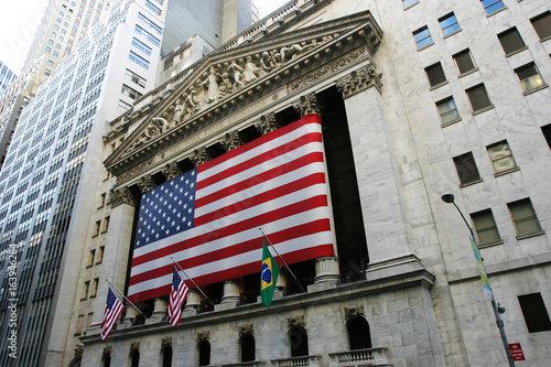 Fond de hotte en verre imprimé New York City Amerikanische Fahne an der New Yorker Börse