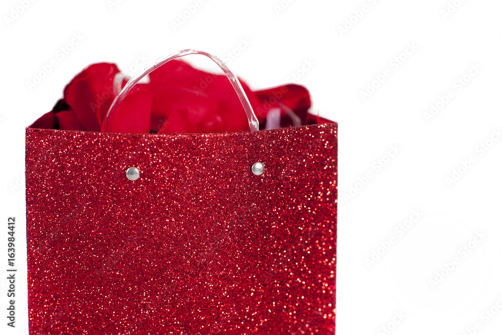 Red Valentine Gift Bag With Flower Petals White Background Foto