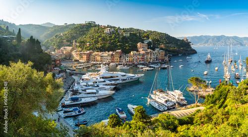Aussicht auf den Hafen von Portofino, Ligurische Riviera, Italien Canvas Print