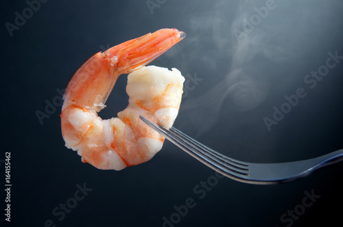 Poster Seafoods Hot prawn on a fork