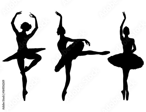Photo Silhouettes of ballerinas