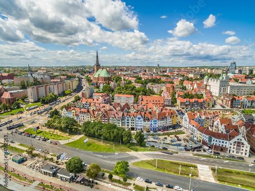 Szczecin - krajobraz starego miasta widziany z powietrza.  panorama miasta z bazylika archikatedralna.