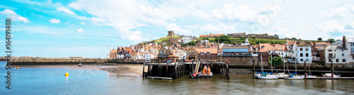 Foto auf Leinwand Kuste Whitby Harbour, North Yorkshire