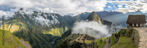 Foto auf Leinwand Südamerikanisches Land Panoramic View of Machu Picchu Inca Ruins - Sacred Valley, Peru