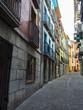 Casas de colores en las calles de Mutriko en la costa del País Vasco, España, en la primavera de 2017