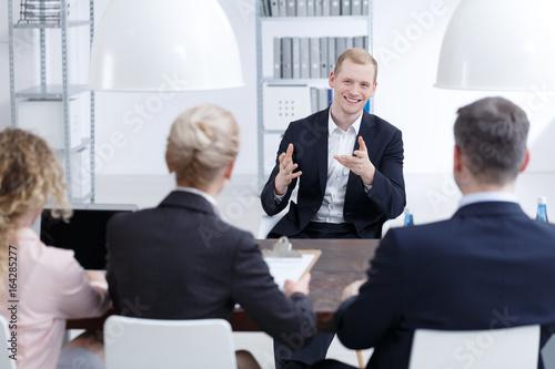 Fototapeta Man trying to convince investors obraz