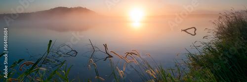 Foto  Sunrise at Lake Samsonvale, Queensland