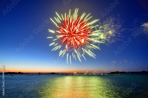 Photo feu d'artifice sur la mer
