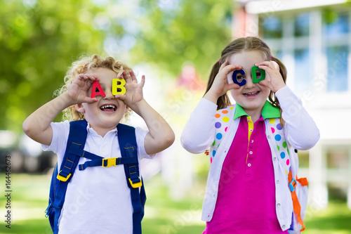 Fotomural Children going back to school, year start