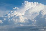 Widok z lotu ptaka z samolotu puszysta chmura deszczu w ciągu dnia - Cloudscape - 164691229