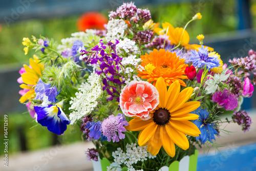 Poster de jardin Autruche Farbenfroher Wildblumenstrauß
