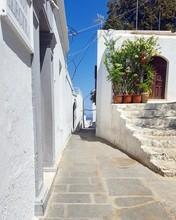 Rue De Lindos