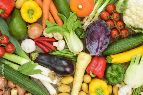 Fotobehang Groenten Arrangement mit viel verschiedenem Gemüse
