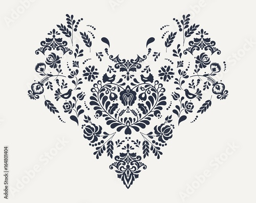 Photo  Slavic floral heart embroidery vector