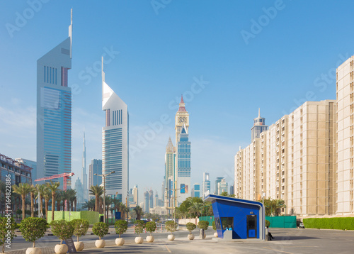 Foto op Aluminium Indonesië Dubai - The Downtown with the Emirates tower and Burj Khalifa in the background.
