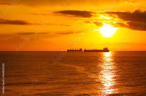 Keuken foto achterwand Rood traf. Gold sunset