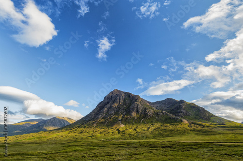 Photo  World famous Glencoe in the highlands of Scotland in summer.