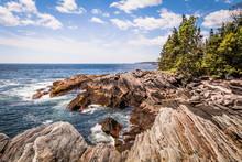 Scenic Rocky Shoreline In La V...
