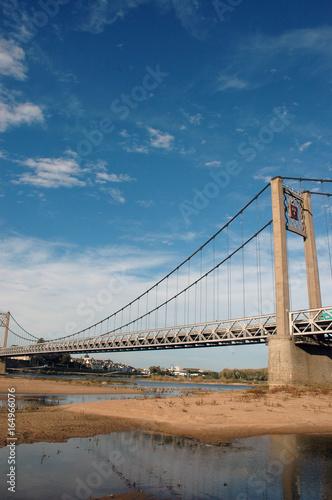 Poster Bridges Pont suspendu traversant la Loire à Ancenis, Loire-Atlantique