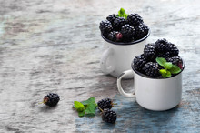 Fresh Blackberries With Mint L...
