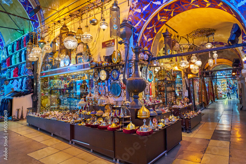 Photo ISTANBUL, TURKEY -JULY 10 2017: Grand Bazaar, considered to be the oldest shoppi