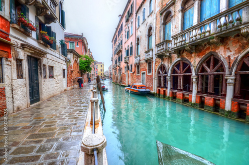 Fototapety, obrazy: Artistic architecture of house, among the canal in Venice, Italy