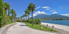 Uferpromenade Riva Del Garda M...