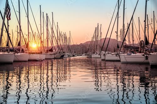 Beautiful sailboats in the dock Fototapete