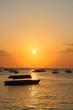 Coucher de soleil à Stone Town, Zanzibar, ombres de bateaux