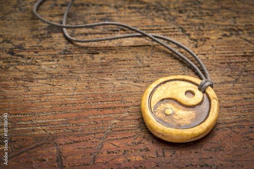 Plakat wisior yin i yang