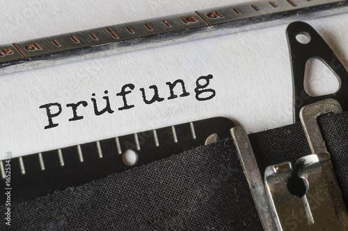 Foto  Prüfung, Text Schreibmaschine