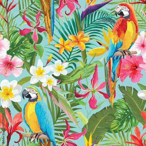 Fototapeta premium Tropikalne kwiaty i papugi bezszwowe wektor kwiatowy lato wzór. Do tapet, tła, tekstur, tekstyliów