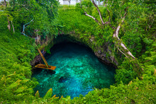 To Sua Ocean Trench - Famous Swimming Hole, Upolu, Samoa, South Pacific