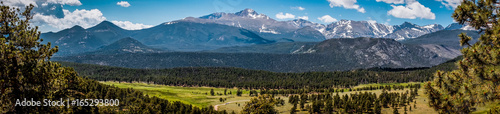 Photo Stands Natural Park Rocky Mountains, panoramic landscape, Colorado, USA