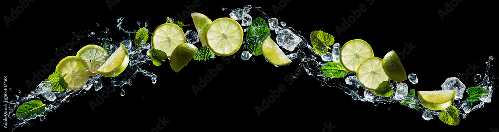 Fototapety, obrazy: Lime and mint with water splash