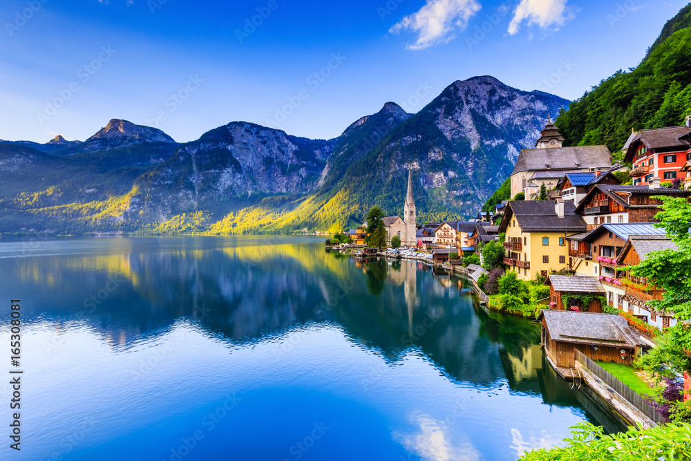 Fototapety, obrazy: Hallstatt, Austria. Mountain village in the Austrian Alps.