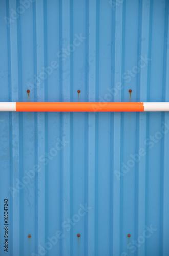 Fotografie, Obraz  Blaue Wand mit Stab