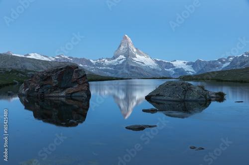 Foto op Plexiglas Panoramafoto s Stellisee, Bergsee in Zermatt