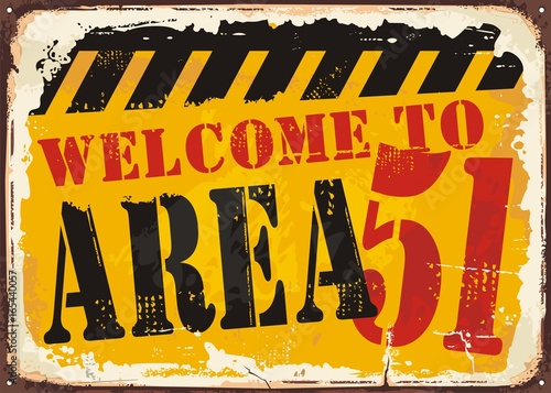 Photo Welcome to area 51 retro road sign concept.