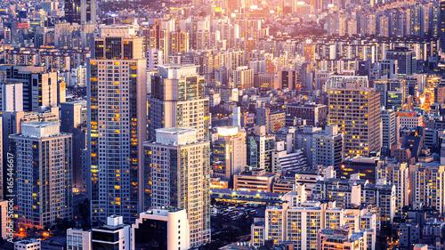 Photo sur Aluminium Seoul Cityscape of building and hotel in Seoul, South Korea.