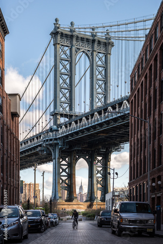 Iconic view of the Manhattan bridge in Brooklyn