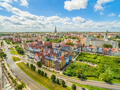 Obraz Szczecin - nabrzeże Wielickie i stare miasto z zamkiem królewskim widziane z powietrza. - fototapety do salonu